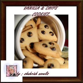 VANILLA & CHIPS COOKIES