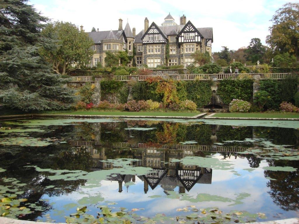 UK and Ireland- October 2009: Thur 28th Oct- Beautiful Bodnant Gardens