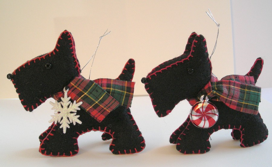 Scotty Dog Felt Pattern http://sterlingwinterset.blogspot.com/2010/12/this-years-felt-ornament.html