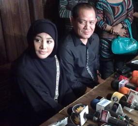 Foto seputar artis indonesia, cici paramida digugat mantan istri ahmad suhaebi
