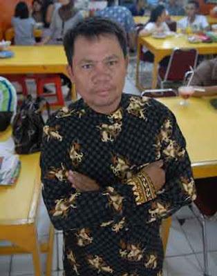Profil Syahroni pengusaha Rujak ulek tidak sekolah tinggi