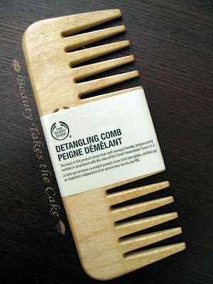 how to use detangling comb
