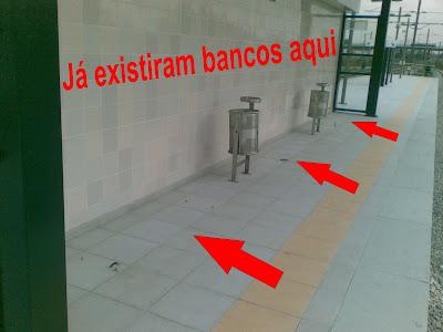 Bancos furtados nas estações da REFER