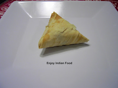 Enjoy indian food phyllo dough samosa for Phyllo dough recipes appetizers indian