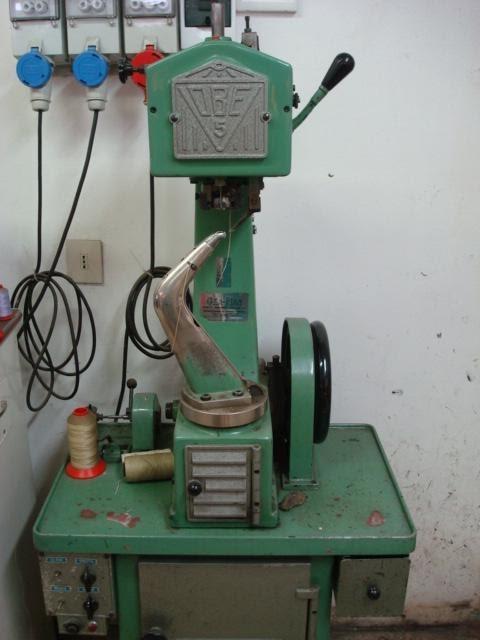 Calzoleria a d i macchinari del calzolaio for Macchina cucitrice