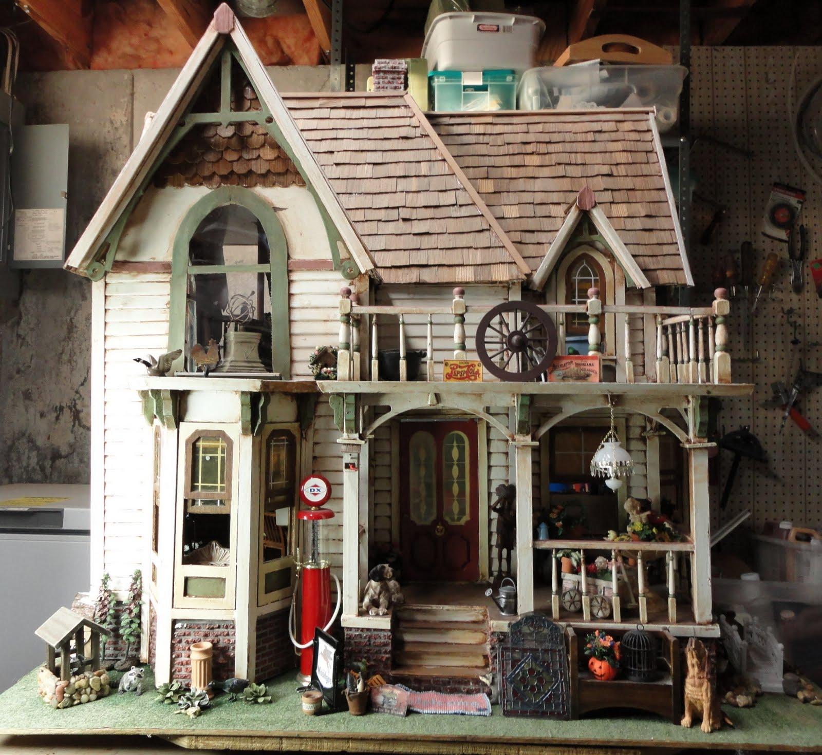 Rosebriar Studio My Oldest Dollhouse