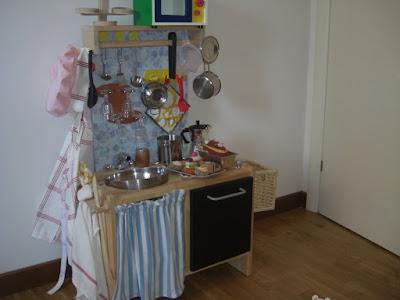 Jen crea creazioni di tutto e un p come realizzare una - Cucina giocattolo ikea ...