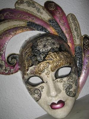 http://3.bp.blogspot.com/_KYZzKKglmzI/SBF1rFcbMoI/AAAAAAAAAFY/ZDDKdRFBVRI/s400/mascara+veneciana_p.JPG