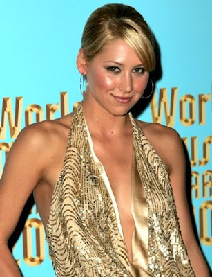 anna kournikova pictures. Anna Kournikova has a Great