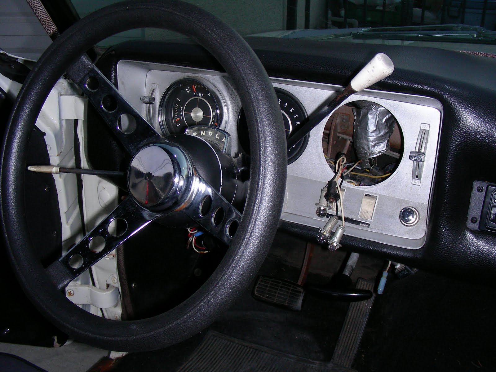 My Horn Is Blasting Againshort Jeep Wrangler Button Wiring Uplug The Wire At And Attach A Test Light There Quieter This Way Ground Each Time You Push Will Always Hear Relay