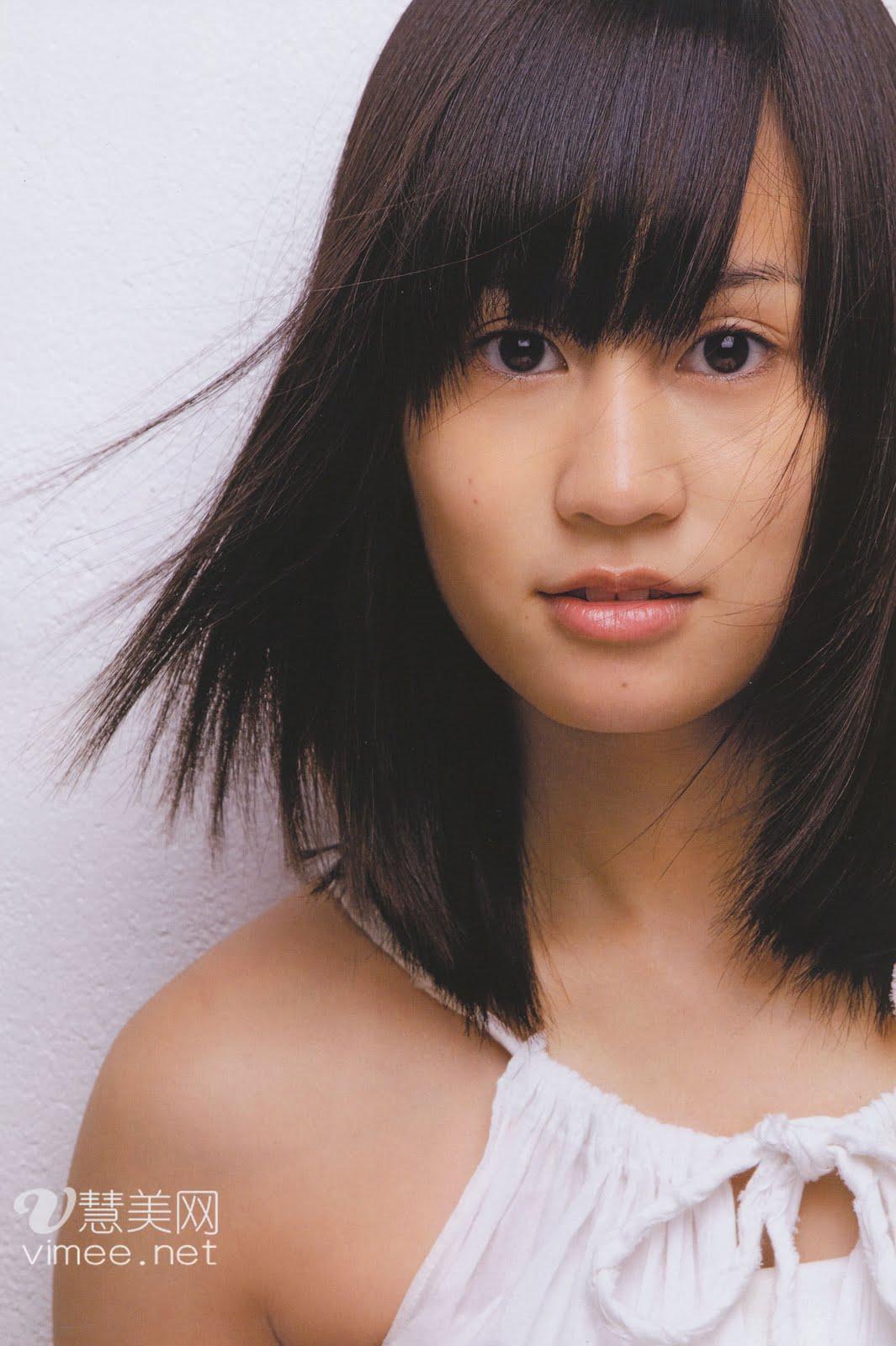 http://3.bp.blogspot.com/_KZkjiSFK-Ho/TCyo1Tx3ggI/AAAAAAAABbs/2frhaekQ9pw/s1600/Maeda+Atsuko+In+Tokyo+3er.PB+(2).jpg