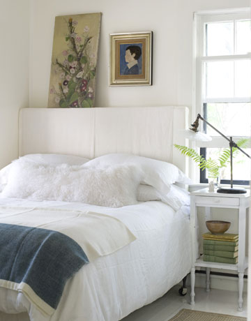 Shorely chic beach cottage chic home in fire island to for Cottage master bedroom ideas