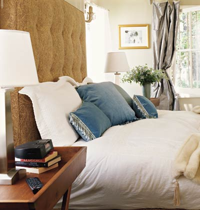 Shorely chic design crush tia zoldan for Casual master bedroom ideas