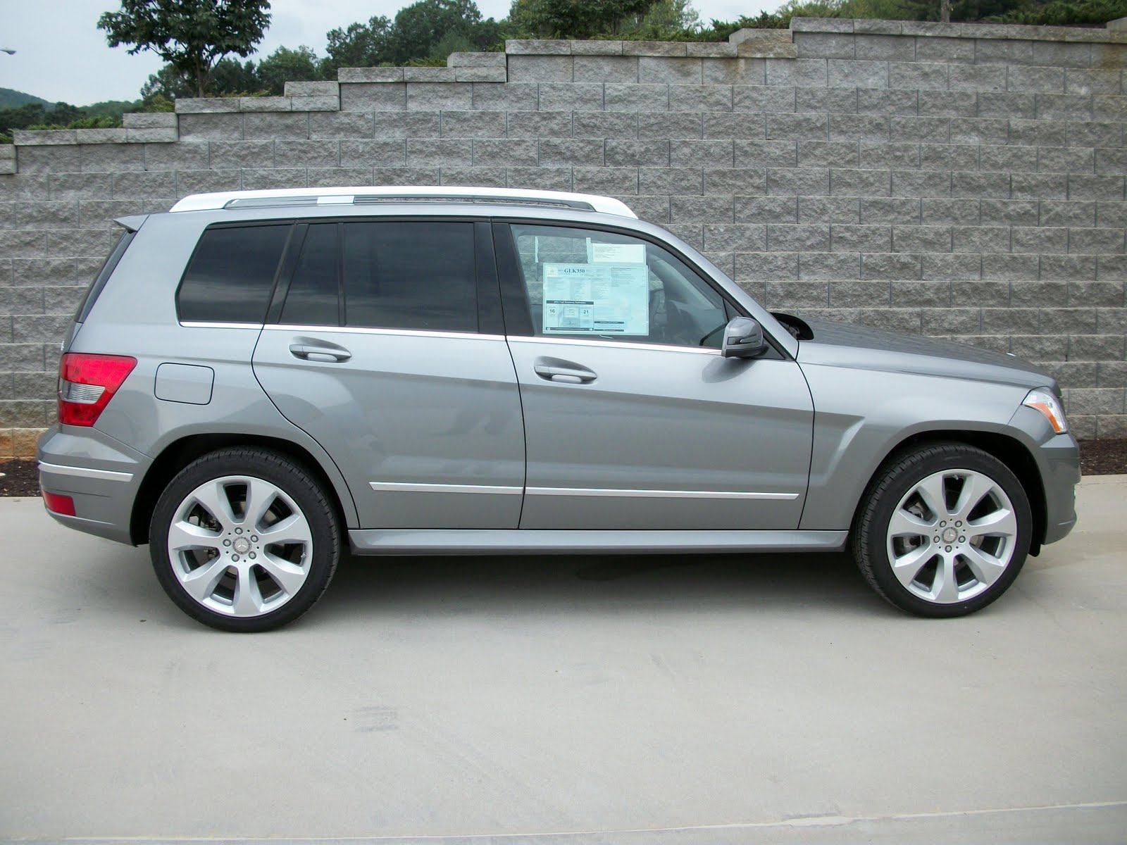 2011 mercedes benz glk350 w4 p1 multi media sport for Mercedes benz glk350 2011