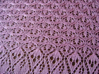 close up detail of pattern in laminara shawl