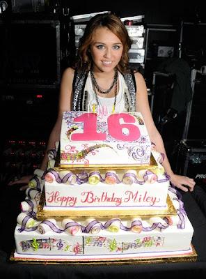 Celebrated Miley Cyrus 16th Birthday, Miley cyrus birthday cake Photos, Miley cyrus birthday Pics