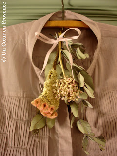 Bunch of dried flowers on blouse Kookaï