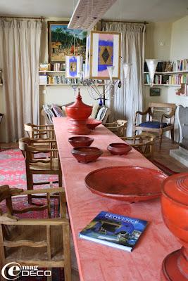 Chambre d'hôtes La Maison à Blauzac, la bibliothèque