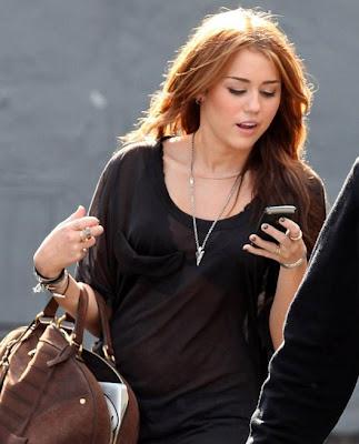 @SmylsCyrus Miley-cyrus-hollywood-shoot-BDLT-12