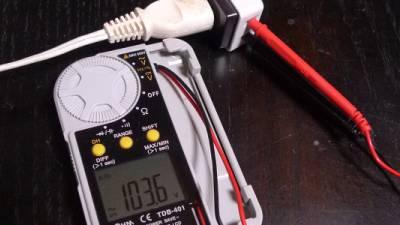 電灯線電圧