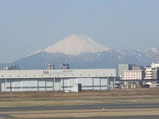 良い天気の羽田空港