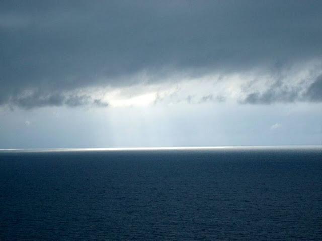 御神崎の雲