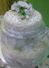 2 tiers wedding cakes
