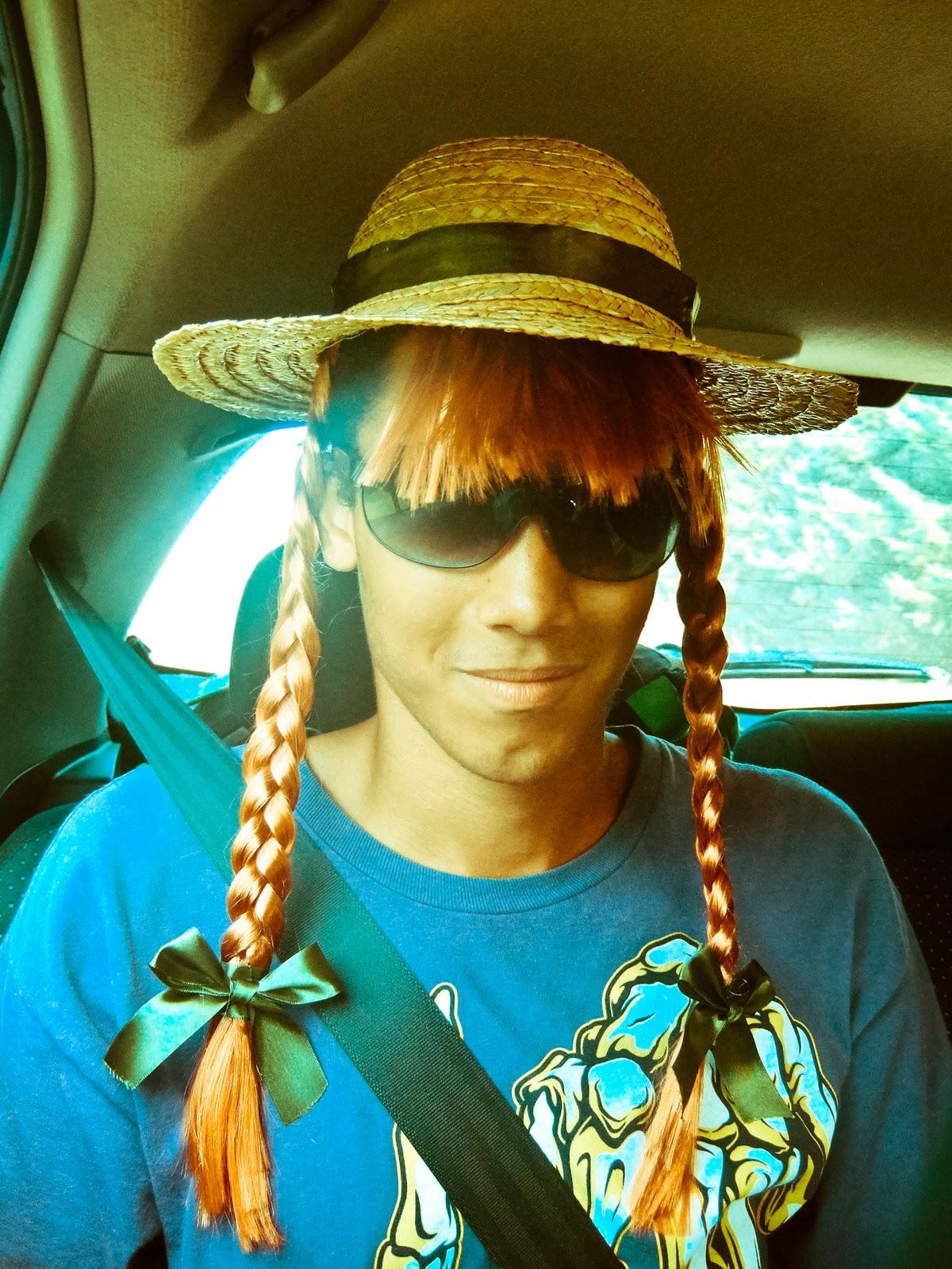 http://3.bp.blogspot.com/_Kiv2RcsKjEg/TQFAV4UkAOI/AAAAAAAAB5E/dUFQ7KU5hAE/s1600/josh+hat.jpg