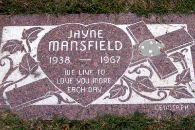 MUERTES EXTRAÑAS DE ARTISTAS FAMOSOS Jayne-mansfield-car-crash-6