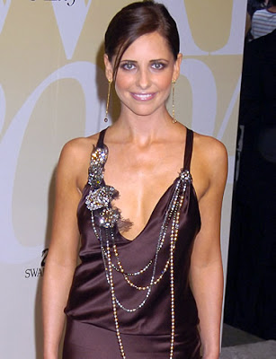 Sarah Michelle Gellar Hot And HQ Photos And Wallpaper