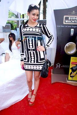 Genelia D'souza and Sonia Mehra at Elle Race picture
