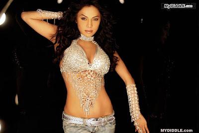 Nikita Rawal Hot Babe in A Bikini Top image