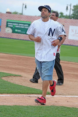 2009 celebrity softball game lineup, kristen butler, 2009 celebrity softball game roster, kristin butler, annie wersching 