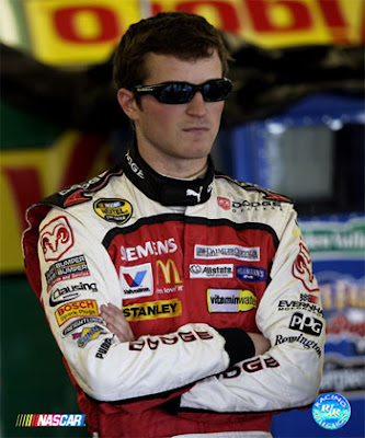 kasey kahne girlfriend, bobby labonte, carl edwards broken foot, juan pablo montoya, nascar atlanta