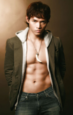 Naked Asian Hunk of the Day: Vietnam's Jeremy Tang