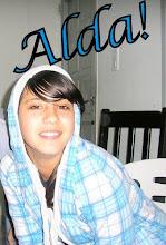 Aldana Debloc (L)