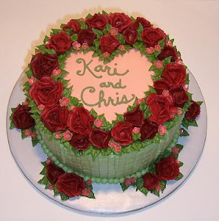 wedding cake with heart of roses