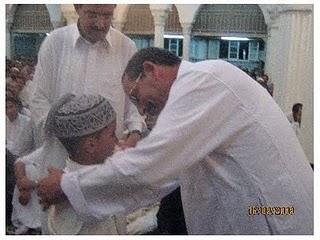 والي ولاية الاغواط يكرم محمد اسلام