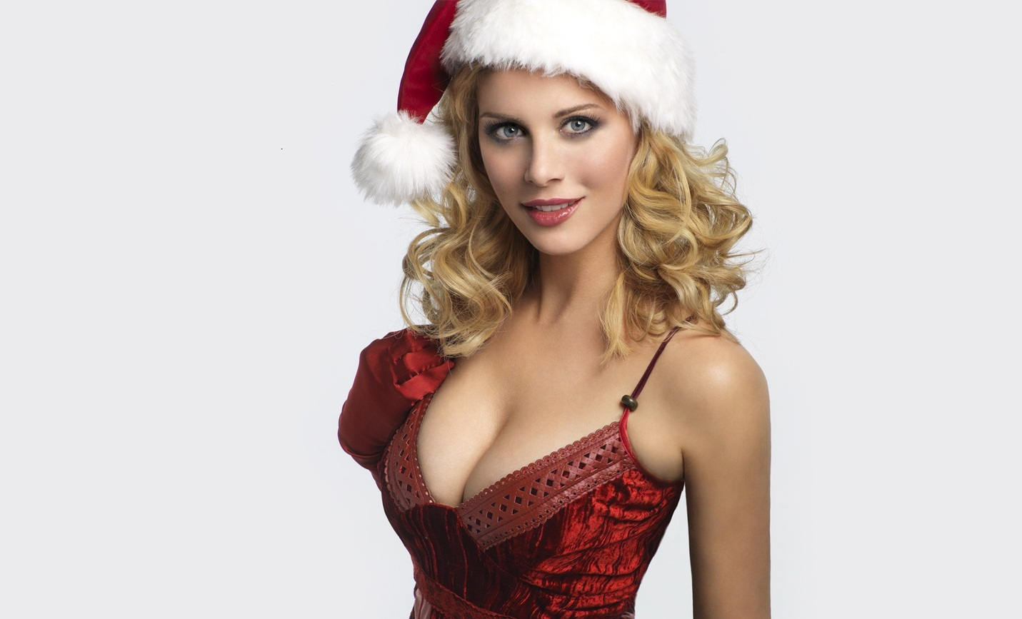 Topless christmas babe wallpaper naked scenes