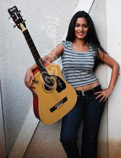 Pooja Umashankar tight jeans