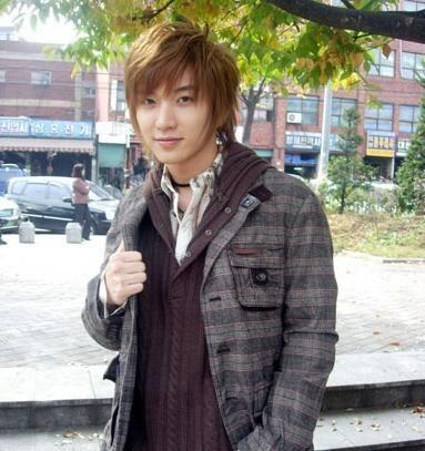التعيينـــات الجديدة  Lee_Teuk_Of_Super_Junior_30082009050612