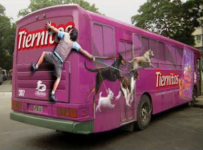 Tiernitos dog food bus advertisement