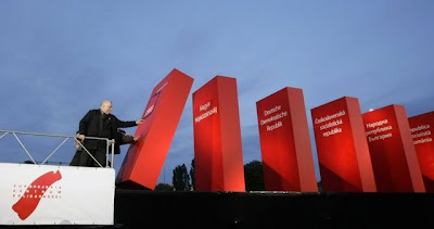 Poland started the Domino effect of the fall of communism - Walesa in Gdansk 2009