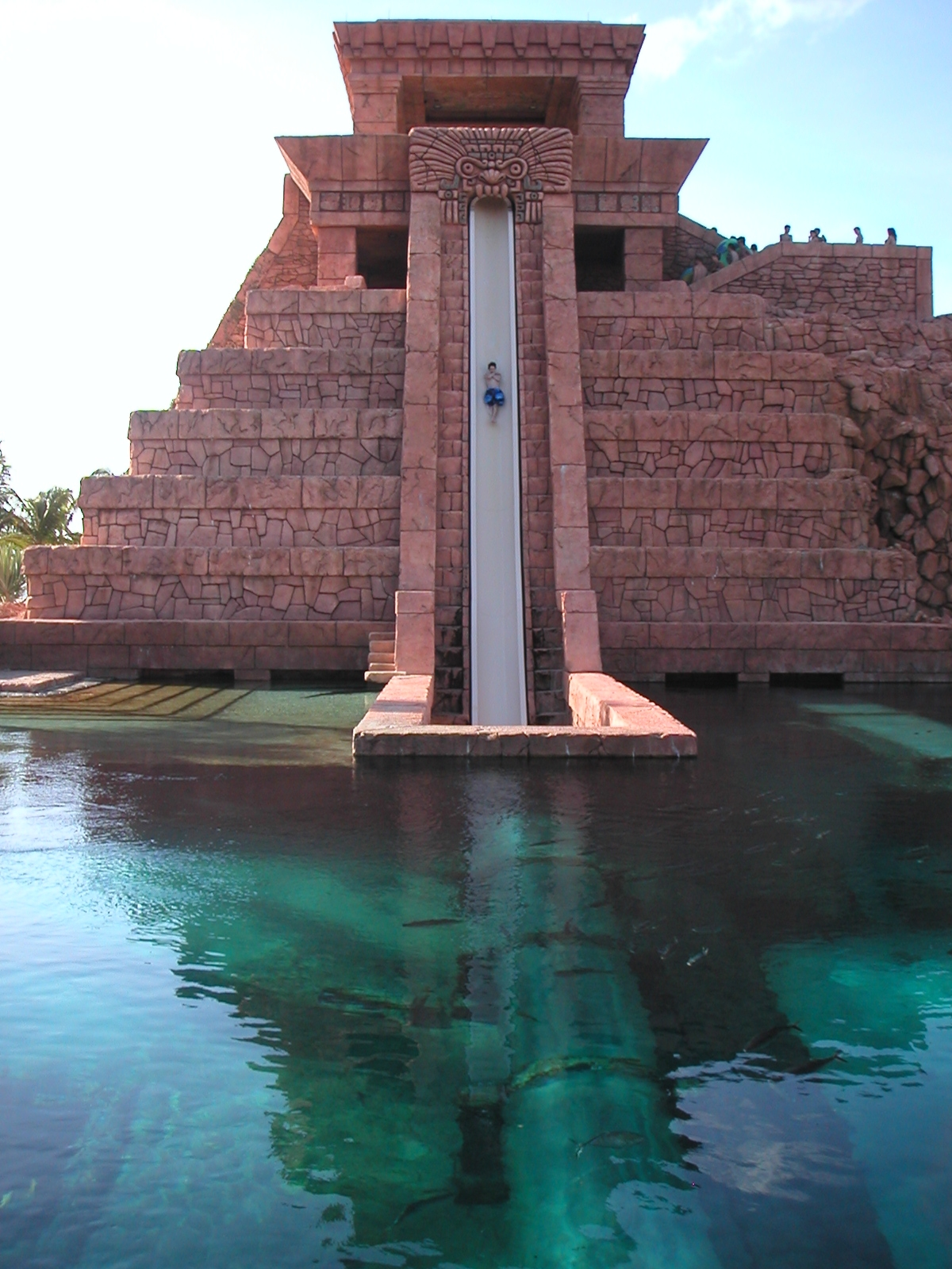 http://3.bp.blogspot.com/_KwJIEgZ1L6o/TUg-OhdhzXI/AAAAAAAAA9g/L7wVOb8lS70/s1600/Mayan_Temple_Slides_at_Atlantis_2.jpg