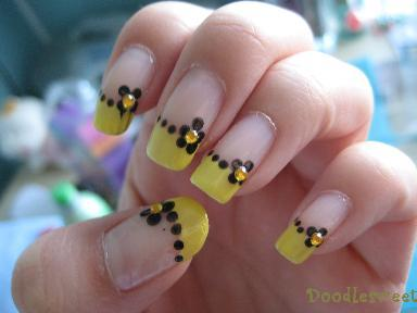 doodles spring nails yellow