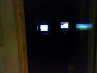 ruanganku... cuman keliatan monitornya doank