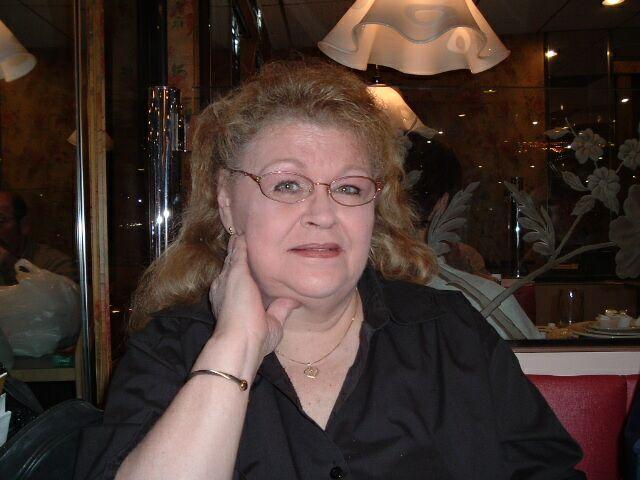 [Mom2004.jpg]