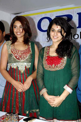Tapsee Richa photo.JPG