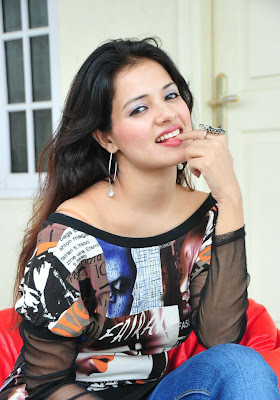 saloni photo.JPG