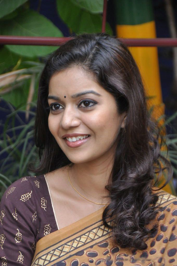 South Indian Actress Swathi Wallpapers